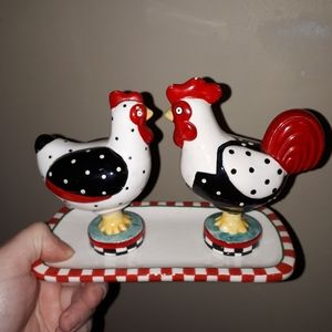Rooster salt and pepper shakers with tray